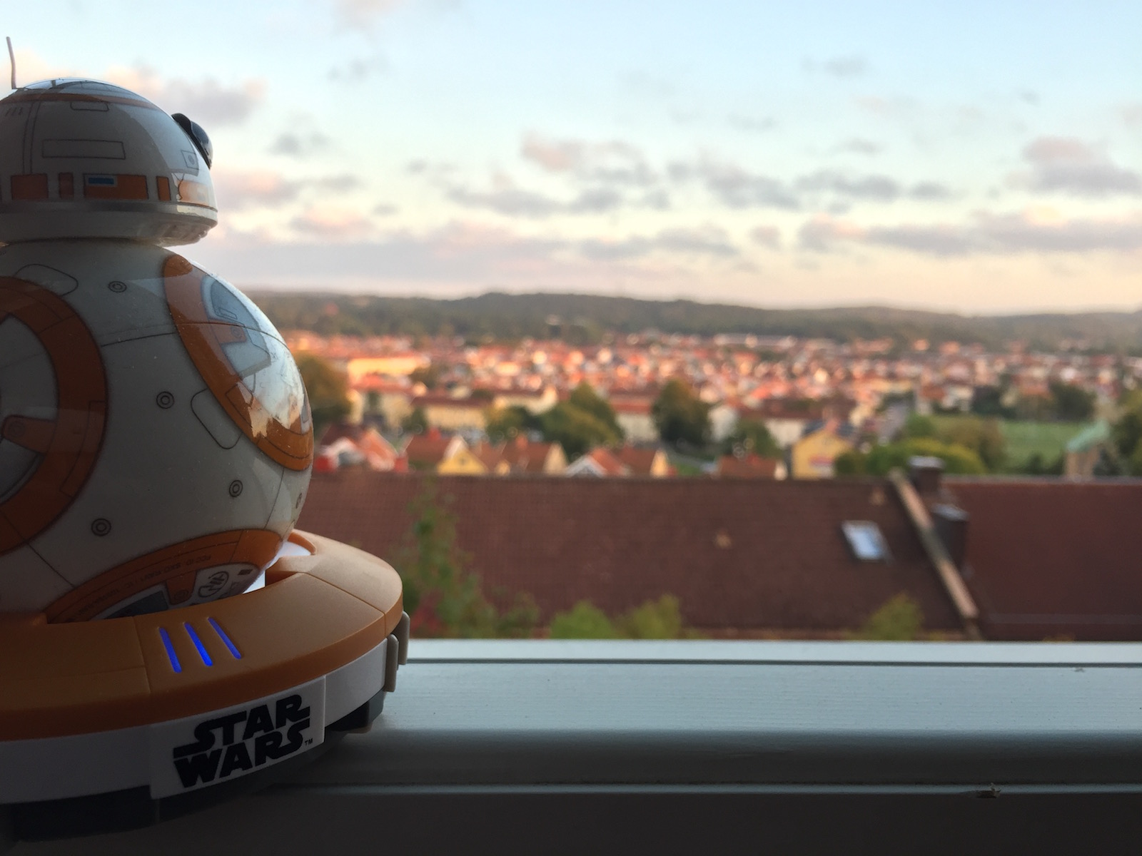 BB-8 in its cradle checking out the view